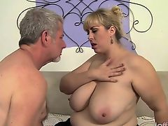 Horny shemale fucks and get fucked bareback