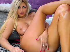 Blonde babe scarlet solo webcam