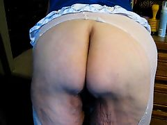 wigling my ass in livingroom