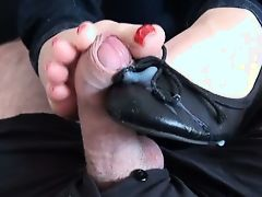 Shoejob in Leather Ballerinas - Cumshot