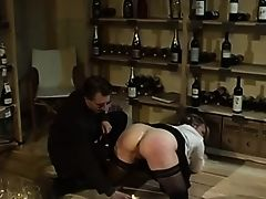 Fetisch im Weinkeller
