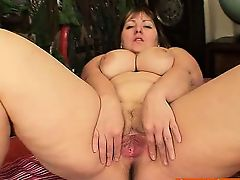Chubby blond Milf Wanda got huge boobies