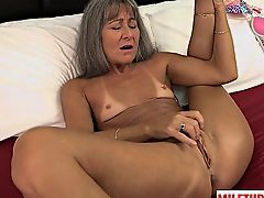 Hot milf sex and cumshot